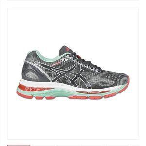 ASICS Women's Gel Nimbus 19 Running Shoes